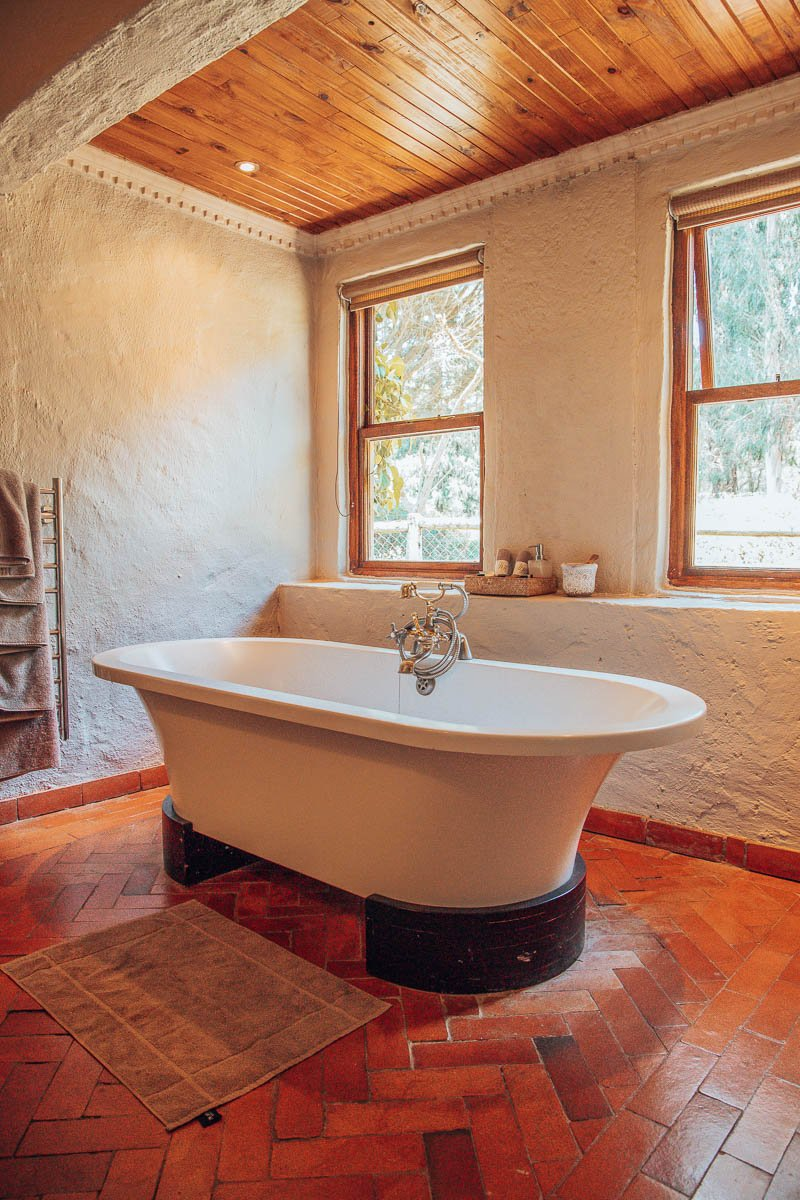 Alyssum Garden Suite Bath Tub