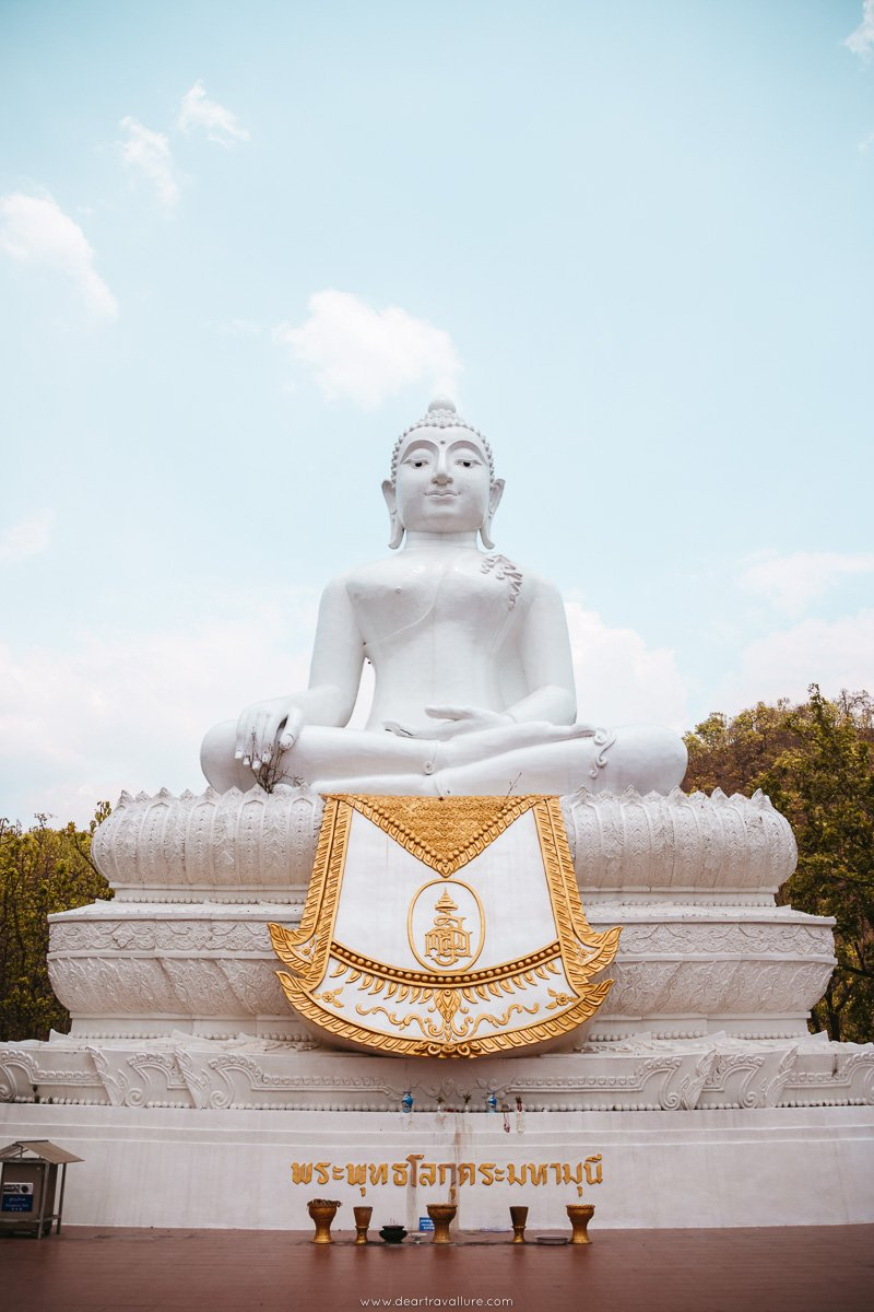 The White Buddha Statue in Pai