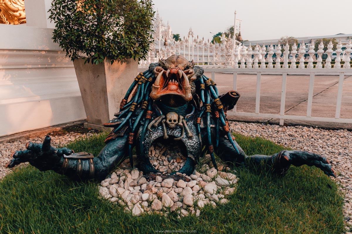 Monster Alien outside of the White Temple
