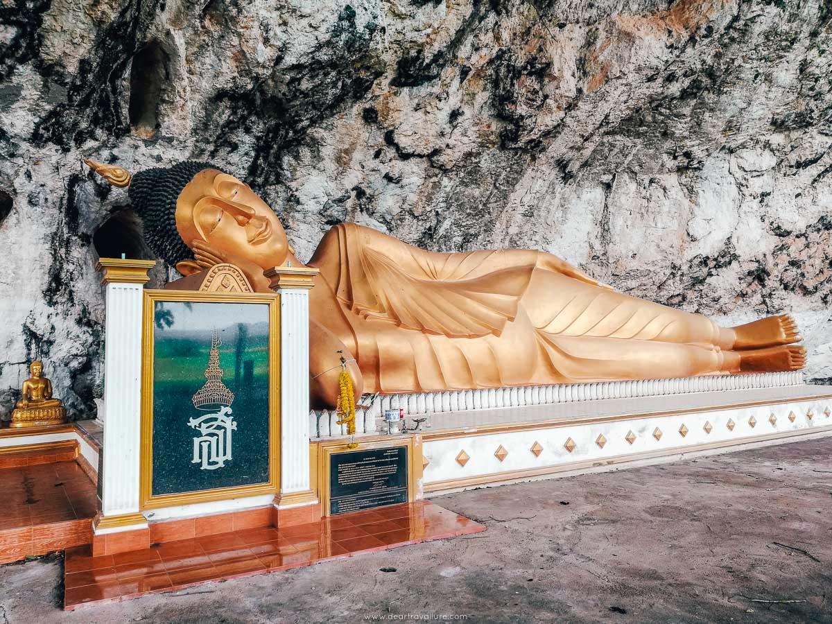 The Reclining Buddha In Trang - Wat Hua Khao
