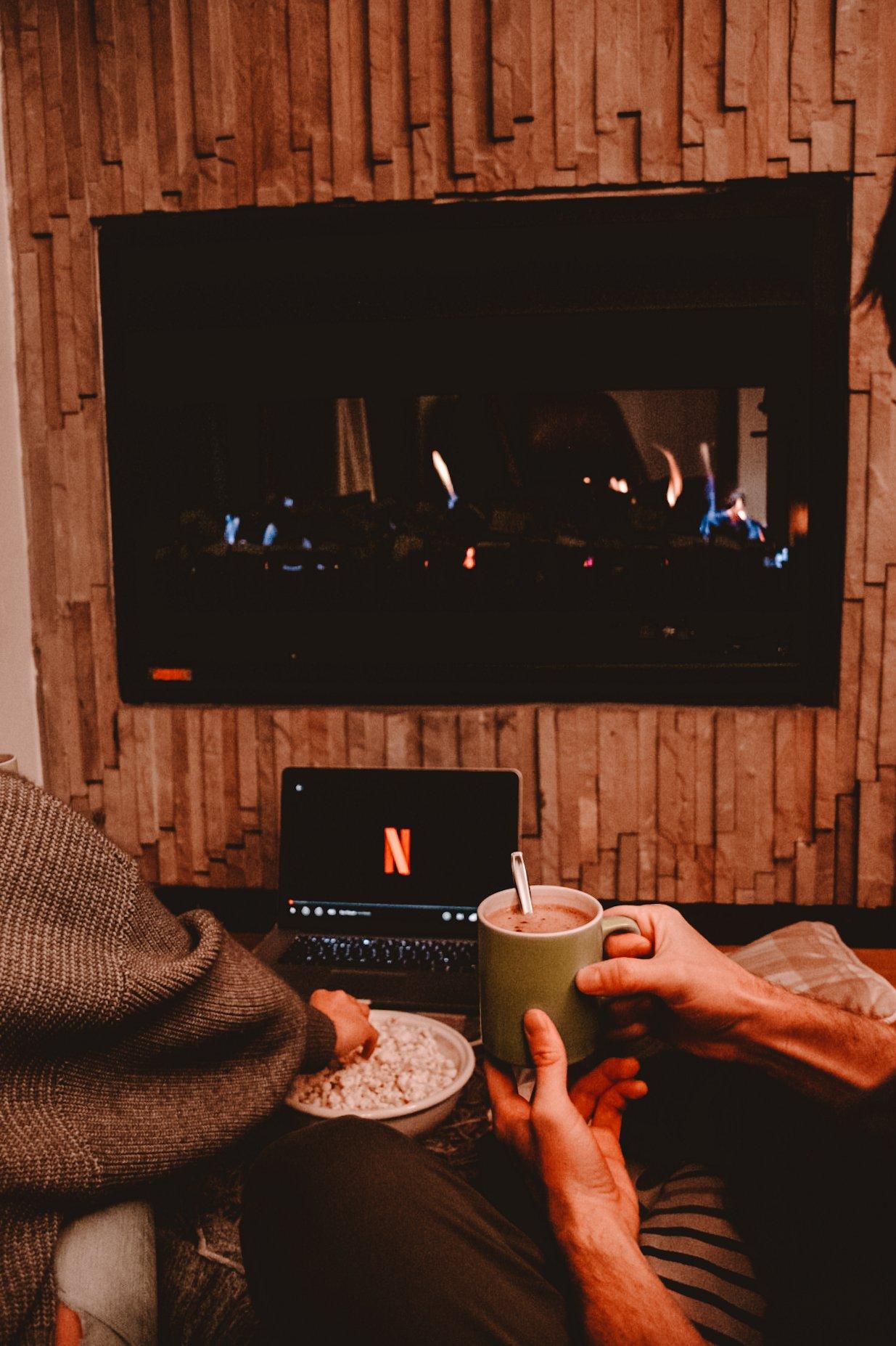 Byron & Tammy watching Netflix