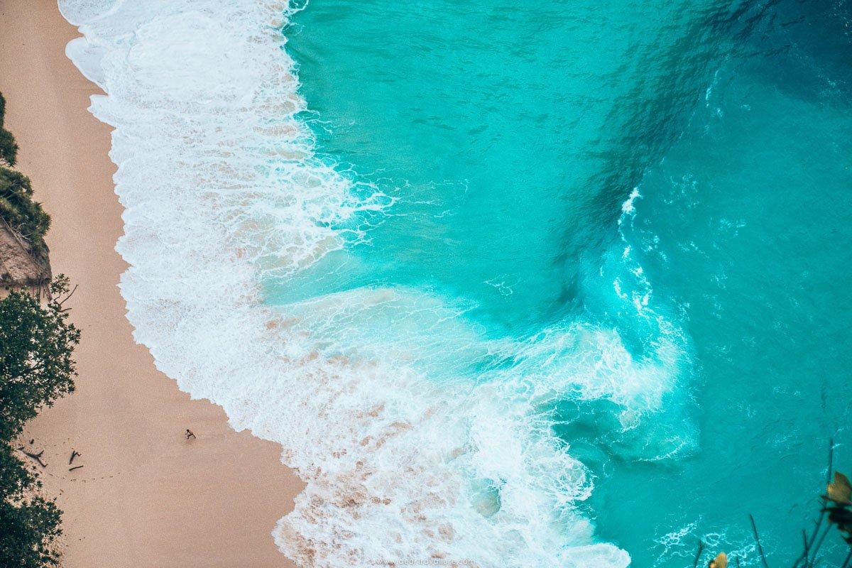 Kelingking's Turquoise blue Ocean Water