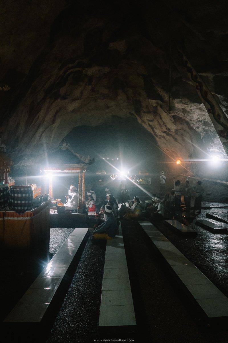 Worshipers in Goa Giri Putri